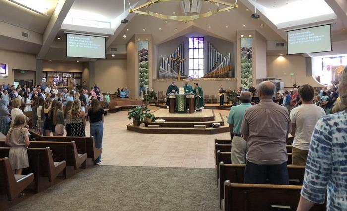 Quyên tiền truyền giáo giúp TGP Huế tại Gx St. Frances Cabrini TGP Denver, Colorado